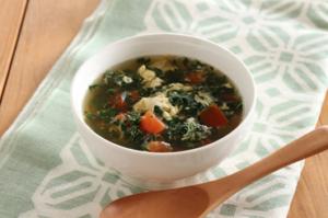 モロヘイヤとトマトの中華スープ