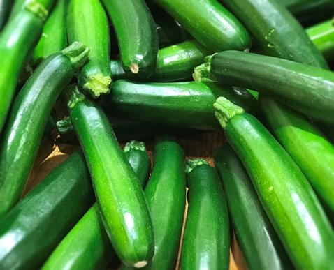 夏の旬野菜 ズッキーニ