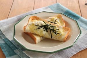 しらすのチーズトースト