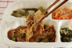 豚肉の甘辛炒め弁当②