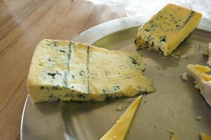 青カビチーズの美味しい食べ方
