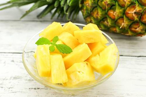 南国の果実パイナップルの栄養とは?